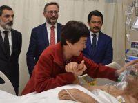 Koreli Ayla hastane ziyaretinde gözyaşlarına boğuldu