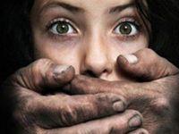 10 yaşındaki zihinsel engelli kıza tecavüz edildi, annesi videoya çekti!