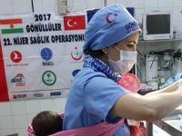 Türk Hemşire'nin Nijer'li anne için fedakarlığı