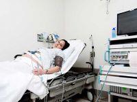 NST'de bebeğin kalp atışlarında azalma olduğu halde gebeyi eve gönderen ebeye ceza