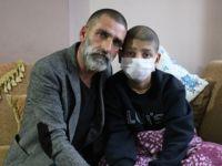 Kanseri yenen baba oğlu için şifa arıyor