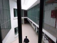 2 polisi bıçakla yaralayan doktor tutuklandı