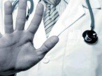 13 bin 409 sağlık çalışanı şiddete maruz kaldı