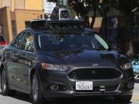 Uber'in sürücüsüz otomobili kaza yaptı, yayayı öldürdü