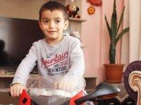 Kocaeli'de 4 yaşındaki Selçuk Aygün beynindeki 8 tümörle savaşıyor