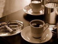 Sigara, kafeinin damarlar üzerine koruyucu etkisini ortadan kaldırıyor!