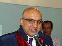 Erciyes üniversitesi Rektör yardımcısı istifa etti