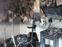 Patlayan televizyon evi kül etti