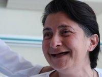 """Beyazlatmak istediği 32 dişini kaybetti, """"delirten"""" hastalıktan Ankara'da kurtuldu"""