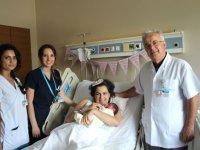 Şeker hastası böbrek nakilli kadın, 38 yaşında doğum yaparak anne oldu