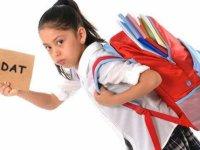 Okul çantası tekrarlayan stres yaralanmalarına yol açıyor!