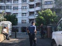 Emekli albay, eşini ve 2 çocuğunu vurdu