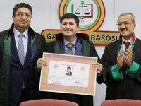 Çocuk doktoru ve mali müşavir Cengiz Bayram şimdi de avukat oldu