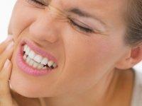 Dişleri sıkmak tüm dişlere zarar veriyor