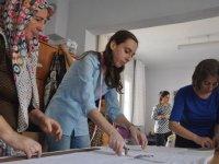 Emekli hemşire kurduğu kooperatif ile 'mutlu kadın mutlu çocuklar' için çalışıyor