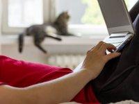 Erkeklere uyarı: Bilgisayarı kucağınıza koyarak çalışmayın!