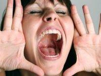 Bağışıklığımızın zayıflaması ses sağlığımızı da etkiliyor