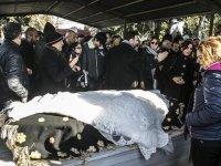 Öldürülen tıp öğrencisi defnedildi: 'Bu canilere en büyük cezalar gelsin'