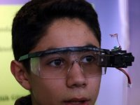 Lise öğrencisinden işitme engelliler için 'akıllı gözlük' tasarımı