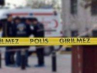 İzmir'de bir kişi annesini kablo ile boğarak öldürdü