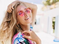 'Sahte güneş gözlüğü' retina yanıklarına yol açıyor