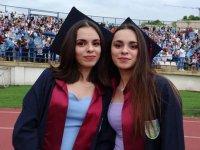 22 yıldır ayrılmayan ikizler Hemşirelik Fakültesinden beraber mezun oldu