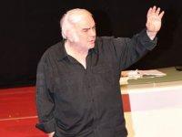 Sanatçı Enis Fosforoğlu yaşamını yitirdi