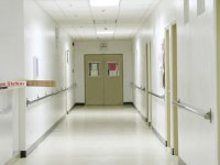 Her hastane yaptığı tetkiklerin, ameliyatların fiyatlarını açıklayacak!
