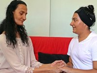 Dil kanserine yakalandı, kızı okul bırakmak zorunda kaldı