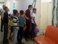 Doktorun uygulaması, çocukları sıraya soktu
