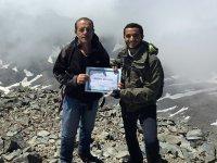 Tıp Fakültesi mezuniyet diplomasını 3 bin 937 metre yükseklikte aldı