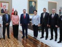 Bakan Koca, Bahreyn Sağlık Bakanı Saleh ile bir araya geldi