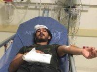 Rapor almaya gelen baba-oğul, doktoru dövdü