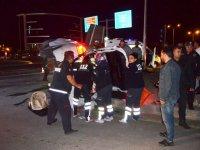 Doktor hastaneye giderken kaza yaptı: 6 yaralı