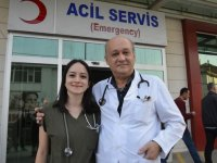 Baba kız aynı hastanede görev yapıyor: Her doktora böylesi nasip olmaz