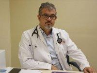 Engelli doktor baba, oğlunu kaybettiği hastalığın cerrahı oldu