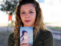 Doğum lekesiyle ailesini arıyor: Doğumunu yaptıran doktorun intihar ettiğini öğrendi!