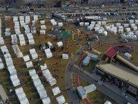 Depremzedeler için 10 binden fazla çadır gönderildi