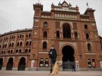 İspanya'da Kovid-19 nedeniyle ölenlerin sayısı 738 artışla 3 bin 434'e çıktı