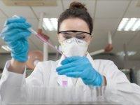 İngiltere'de yeni yüzde 100 doğruluk payı olan koronavirüs testi