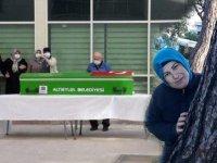 Kanseri yenen Tuğba hemşireden acı haber! Korona nedeniyle hayatını kaybetti