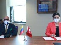 Türkiye ile Venezuela arasında sağlık alanında hibe anlaşması imzalandı