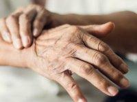 El yazınızdaki değişiklik Parkinson habercisi olabilir!