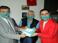 İşitme engellilere özel 'şeffaf maske' üretildi