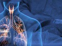 Solunum cihazına bağlı olan 15 yaşındaki Zeynep, akciğer nakliyle yaşama tutundu