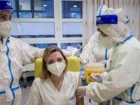 İtalya'da son 24 saatte yaklaşık 600 bin kişiye Kovid-19 aşısı yapıldı