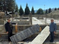 Karabük milletvekilleri Safranbolu'da sağlık hizmeti verecek binadaki çalışmaları inceledi