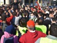 Lübnan'da sağlık hizmetlerinde de yansımaları görülen ekonomik kriz protesto edildi