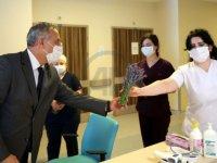 Edirne'de fedakar sağlık çalışanlarına mis kokan lavanta demetleriyle teşekkür edildi
