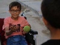 Hikayesini AA'nın duyurduğu engelli Muhammed, Türkiye'de tedavi olacak